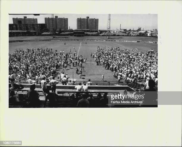 Qantas Meeting Redfern Oval Split Vote on left those who want of stay on strike amp on The Right those wanted to go back at Midnight tonightStriker...