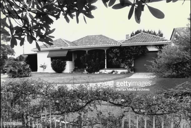 Qantas smugglers house 58 Beaumont Rd KillaraA Senior Qantas steward has jumped bail in India where he was awaiting trial on a major goldsmuggling...