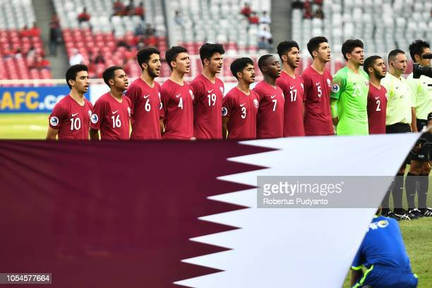 Qatar team pose during the AFC U19 Championship Indonesia quarter final match between Qatar and Thailand at the GBK Main Stadium on October 28 2018...
