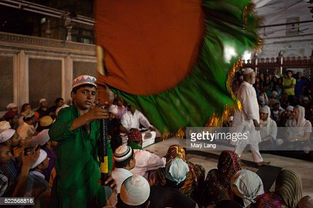 Qawwali at the Dargah of Hazrat Nizamuddin in Delhi India Nizamuddin Dargah is the dargah of one of the world's most famous Sufi saints Nizamuddin...