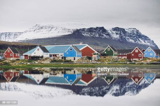qeqertarsuaq reflection - greenland stock pictures, royalty-free photos & images