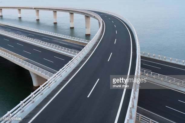 qingdao jiaozhou bay cross-sea bridge - 高架道路 ストックフォトと画像