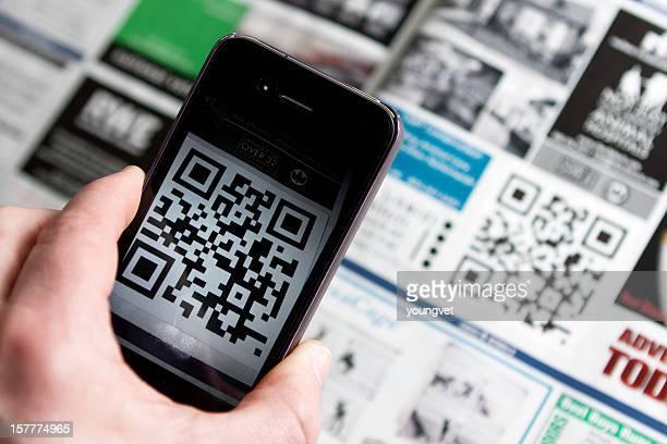 qr-code mit smartphone