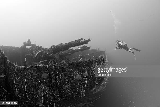 Quad Guns on Starboard Side of USS Saratoga, Marshall Islands, Bikini Atoll, Micronesia, Pacific Ocean