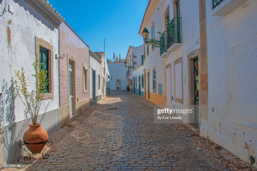 Quaint Street in Faro Old Town : Stock Photo
