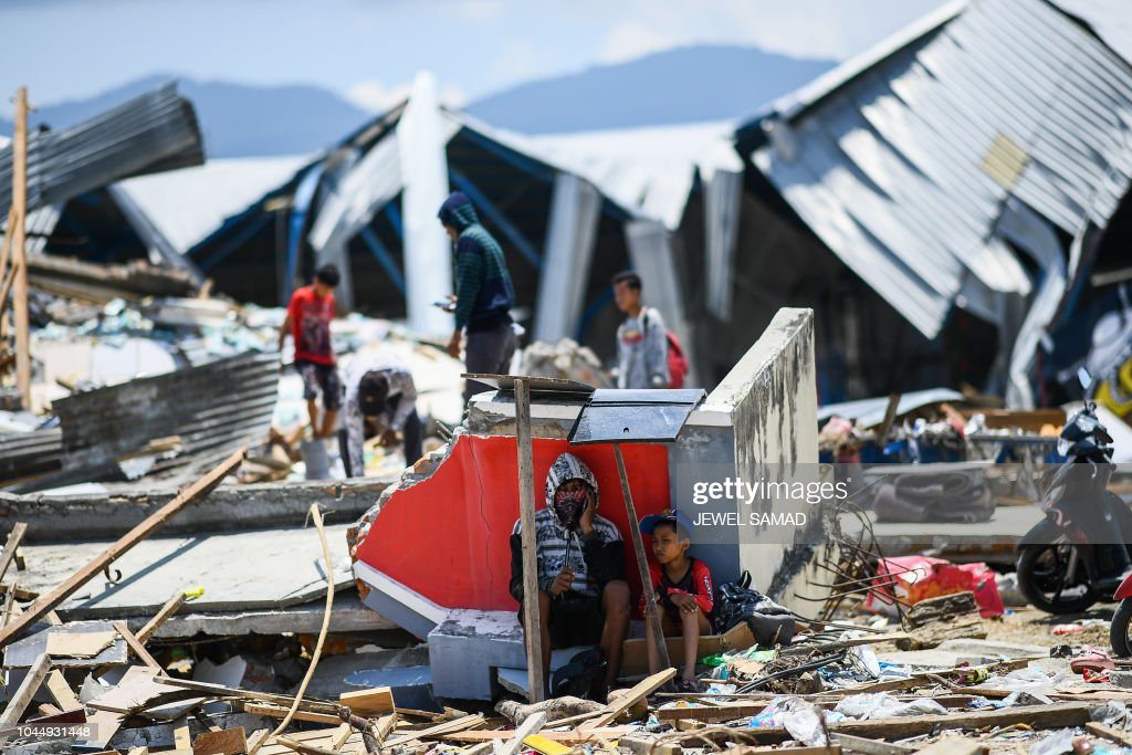 TOPSHOT-INDONESIA-QUAKE : News Photo