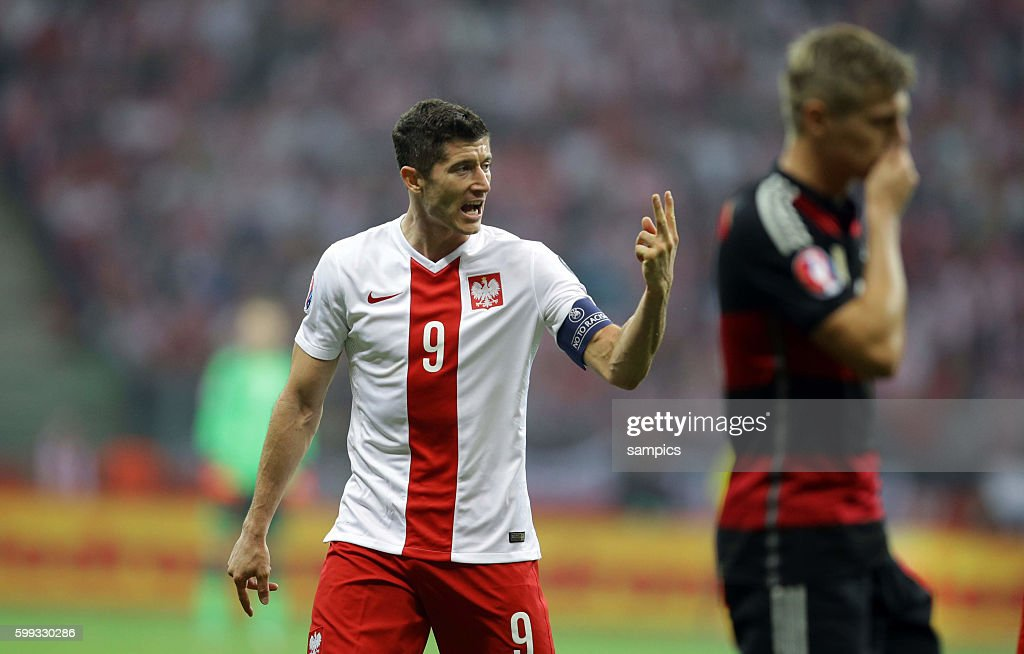 Soccer - UEFA EURO 2016 Qualifer - Poland vs. Germany : News Photo