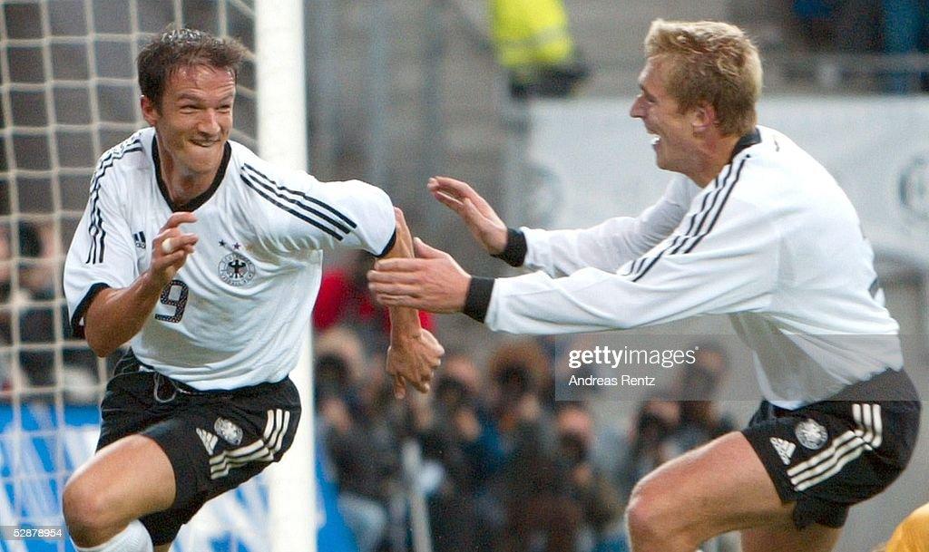 Fussball: EM Qualifikation 2003 : News Photo
