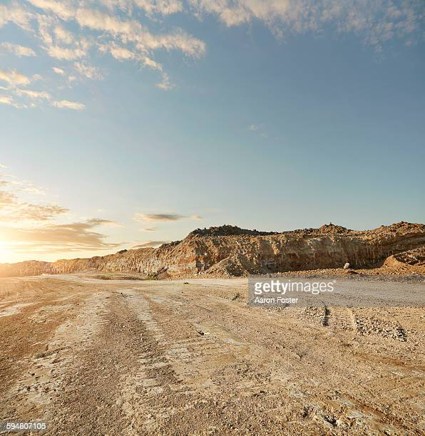 quarry landscape - 石切場 ストックフォトと画像