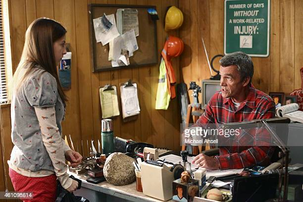 THE MIDDLE 'A Quarry Story' Frankie discovers an old uncashed paycheck from Ehlert Motors But in order for her to collect her pay Mr Ehlert forces...