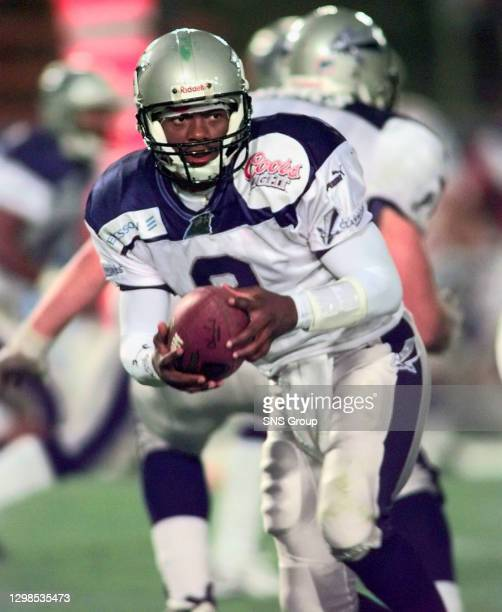 Quarter back Dameyune Craig, who starred for the Scottish Claymores in 1999, could be returning in season 2003 if a bid for his services is...