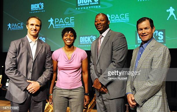 NFL quarter back Drew Brees USA Team soccer goalie Briana Scurry Ex NFL Giant's player Carl Banks and Ex Rangers goalie Mike Richter attend the...