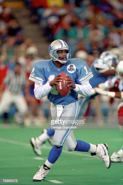 Quarterback Andre Ware of the Detroit Lions drops back to pass against the Phoenix Cardinals at the Silverdome on September 26 1993 in Pontiac...