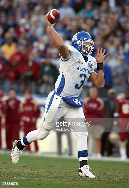 Quarterback Andre Woodson of the Kentucky Wildcats passes the ball during the Gaylord Hotels Music City Bowl against the Florida State Seminoles on...