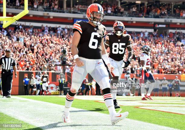 Quarterback Baker Mayfield of the Cleveland Browns runs for a touchdown during the first half in the game against the Houston Texans at FirstEnergy...