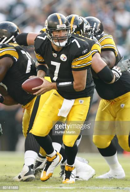 Quarterback Ben Roethlisberger of the Pittsburgh Steelers hands off during a game against the Philadelphia Eagles on September 21, 2008 at Lincoln...