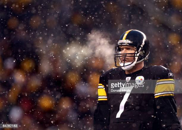 Quarterback Ben Roethlisberger of the Pittsburgh Steelers looks on in snow en route to his team's 3524 victory over the San Diego Chargers during the...