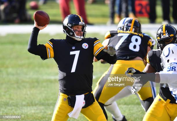 Quarterback Ben Roethlisberger of the Pittsburgh Steelers passes the ball in the first quarter of the game against the Indianapolis Colts at Heinz...