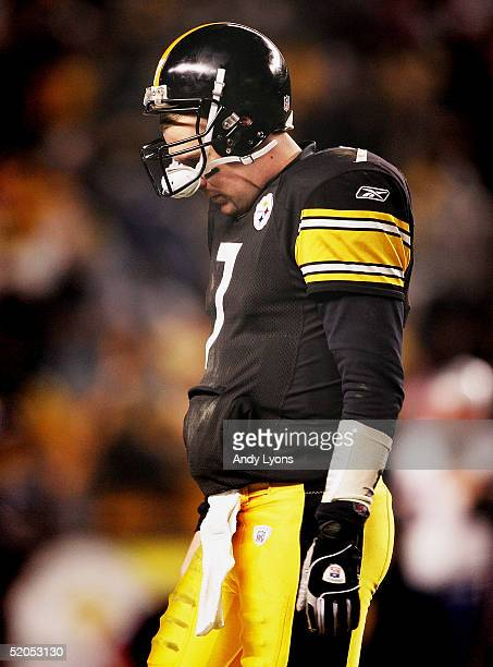Quarterback Ben Roethlisberger of the Pittsburgh Steelers walks off the field late in the game against the New England Patriots in the AFC...