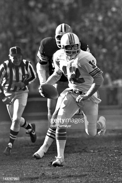 Quarterback Bob Griese of the Miami Dolphins runs the ball against the Cleveland Browns on November 18 at the Orange Bowl in Miami Florida