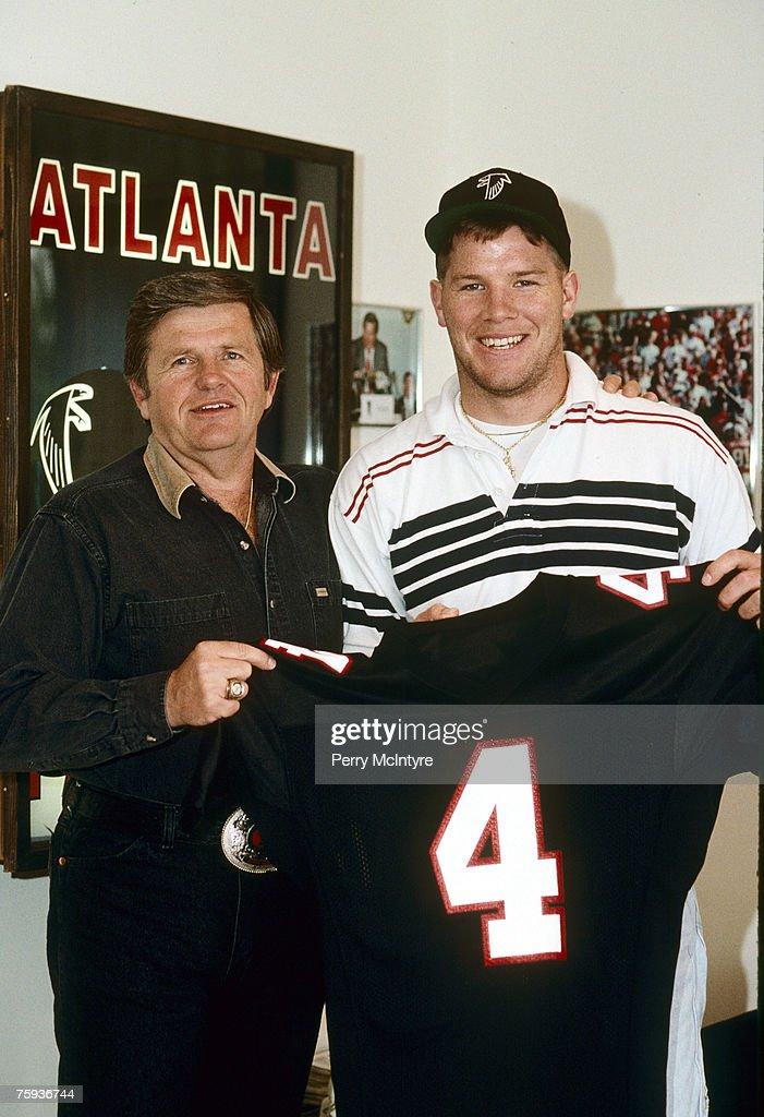 Brett Favre - Atlanta Falcons - File Photos : News Photo