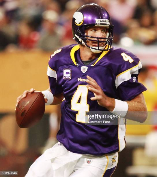 Quarterback Brett Favre of the Minnesota Vikings prepares to throw the ball during the game against the San Francisco 49ers at Hubert H Humphrey...