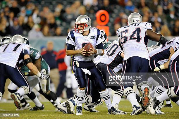 Quarterback Brian Hoyer of the New England Patriots turns to hand the ball off against the Philadelphia Eagles at Lincoln Financial Field on November...