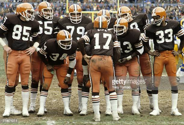 Quarterback Brian Sipe of the Cleveland Browns calls the next play during a game on November 26 1978 against the Los Angeles Rams at Municipal...