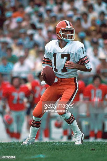 Quarterback Brian Sipe of the Cleveland Browns drops back to pass during a preseason game in August 1981 against the Atlanta Falcons in Atlanta...
