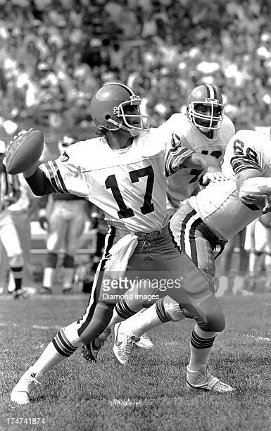 Quarterback Brian Sipe of the Cleveland Browns throws a pass during a game circa 1980 at Cleveland Municipal Stadium in Cleveland Ohio