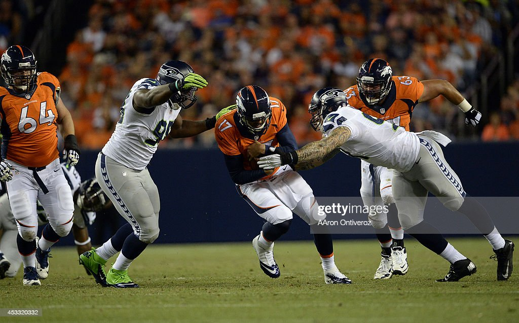 Denver Broncos vs the Seattle Seahawks : News Photo