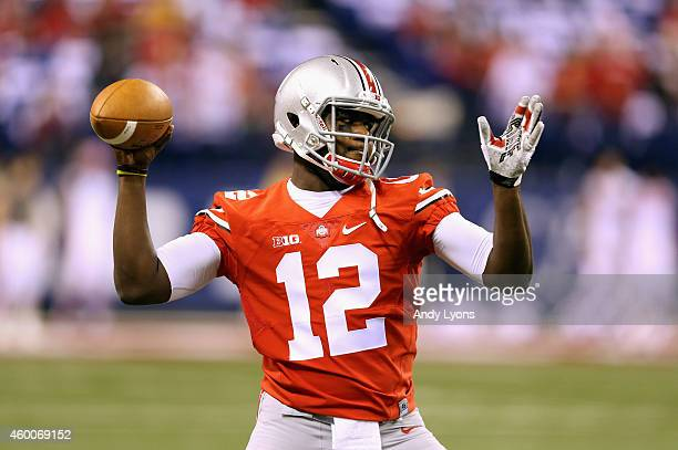 Quarterback Cardale Jones of the Ohio State Buckeyes warms up prior to the game against the Wisconsin Badgers in the Big Ten Championship at Lucas...
