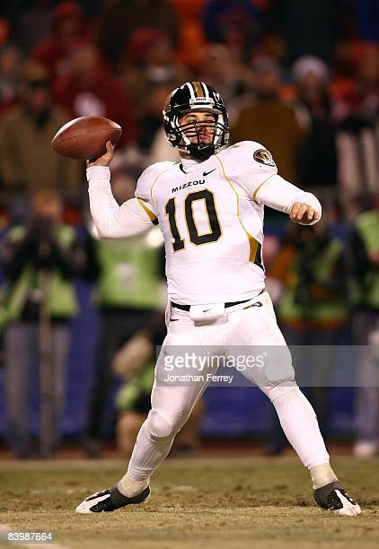 Quarterback Chase Daniel of the Missouri Tigers sets up to make a pass play against the Oklahoma Sooners at Arrowhead Stadium on December 6 2008 in...