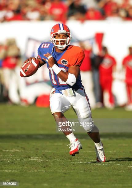 Quarterback Chris Leak of the Florida Gators scrambles in the second quarter against the Georgia Bulldogs at Alltel Stadium on October 29, 2005 in...