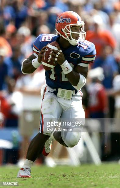 Quarterback Chris Leak of the University of Florida looks to pass against Mississippi State on October 8, 2005 at Ben Hill Griffin Stadium in...