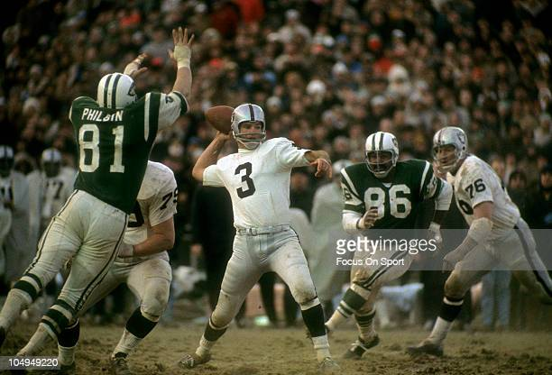 Quarterback Daryle Lamonica of the Oakland Raiders drops back to pass against the New York Jets during the AFL football Championship game December 29...