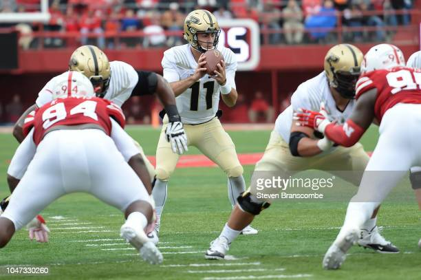 Quarterback David Blough of the Purdue Boilermakers takes a snap against the Nebraska Cornhuskers at Memorial Stadium on September 29 2018 in Lincoln...