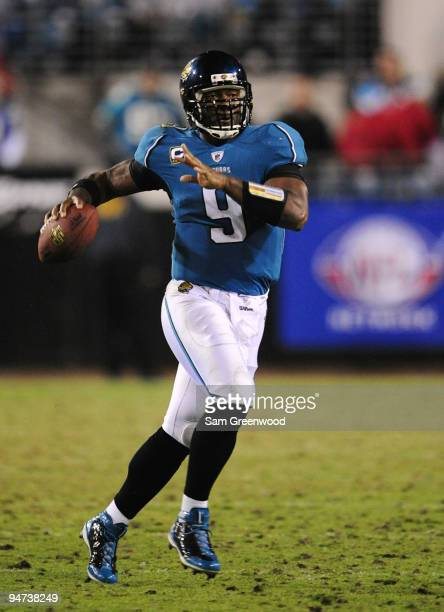 Quarterback David Garrard of the Jacksonville Jaguars looks to throw a pass against the Indianapolis Colts at Jacksonville Municipal Stadium on...