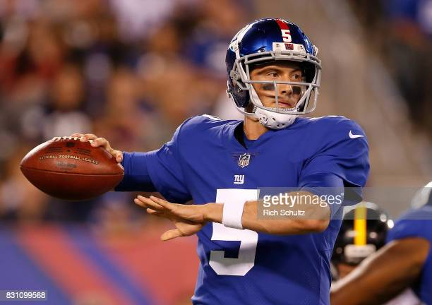 Quarterback Davis Webb of the New York Giants in action during an NFL preseason game against the Pittsburgh Steelers at MetLife Stadium on August 11...