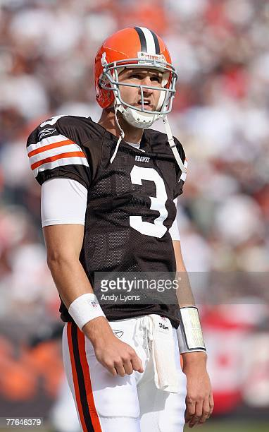 Quarterback Derek Anderson of the Cleveland Browns looks on during the NFL game against the Miami Dolphins at Cleveland Browns Stadium October 14...