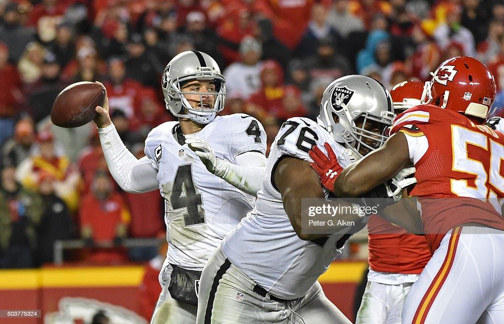 Oakland Raiders v Kansas City Chiefs : News Photo