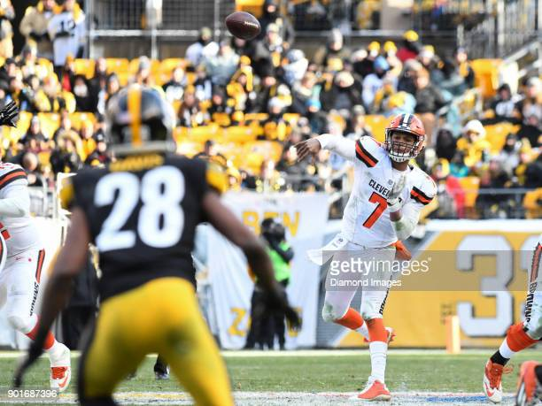Quarterback DeShone Kizer of the Cleveland Browns throws a pass in the third quarter of a game on December 31 2017 against the Pittsburgh Steelers at...