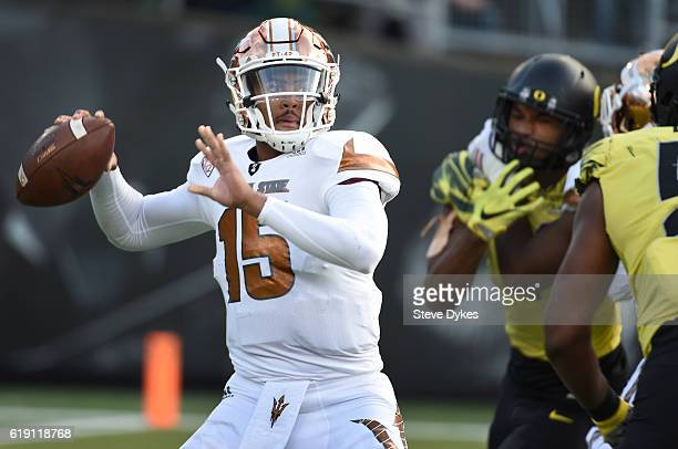 Quarterback Dillon SterlingCole of the Arizona State Sun Devils passes the ball during the third quarter of the game against the Oregon Ducks at...