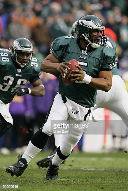 Quarterback Donovan McNabb of the Philadelphia Eagles scrambles against the Minnesota Vikings in an NFC divisional playoff game at Lincoln Financial...