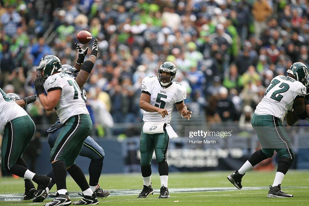 84e937e0 Quarterback Donovan McNabb of the Philadelphia Eagles throws a pass ...