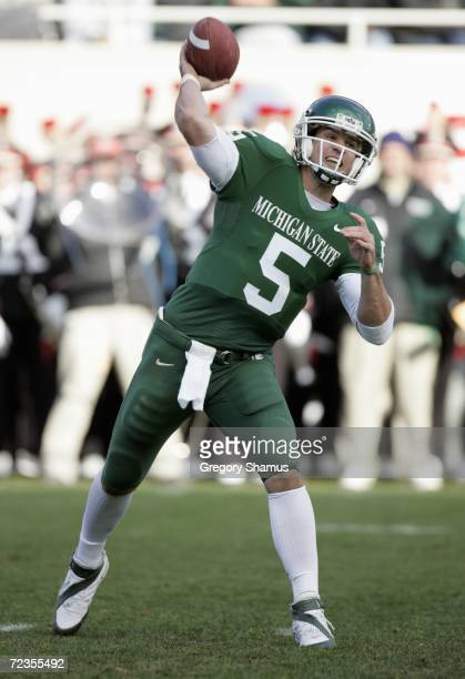 Quarterback Drew Stanton of the Michigan State Spartans passes the ball during the game against the Ohio State Buckeyes on October 14, 2006 at...