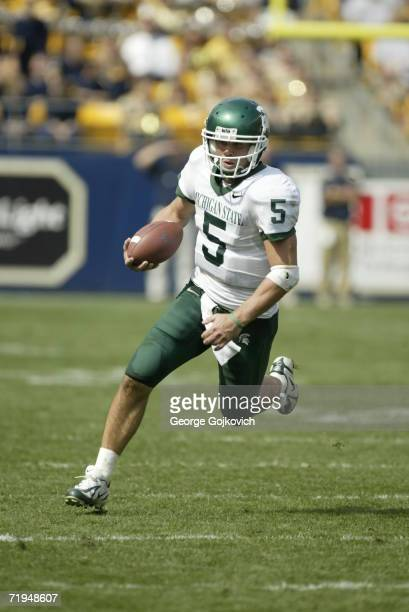 Quarterback Drew Stanton of the Michigan State Spartans runs against the University of Pittsburgh Panthers at Heinz Field on September 16 2006 in...
