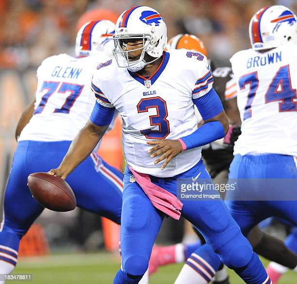 Quarterback EJ Manuel of the Buffalo Bills turns to hand off the football during a game against the Cleveland Browns at FirstEnergy Stadium in...