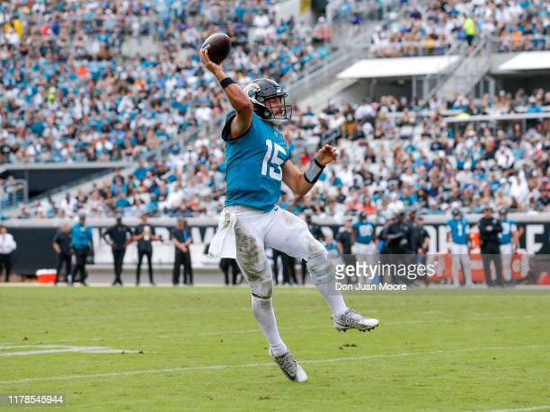 Quarterback Gardner Minshew II of the Jacksonville Jaguars passes against the New York Jets at TIAA Bank Field on October 27 2019 in Jacksonville...