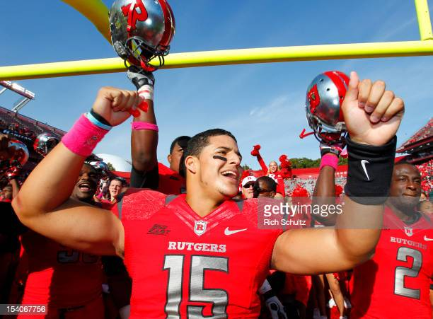 Quarterback Gary Nova of the Rutgers Scarlet Knights celebrates their 23-15 win over the Syracuse Orange at High Point Solutions Stadium on October...